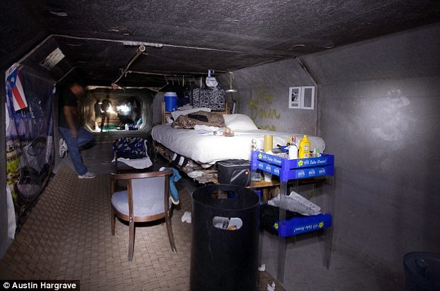 A Secret Community Of Over 1,000 Homeless People Live In Tunnels Under Las Vegas