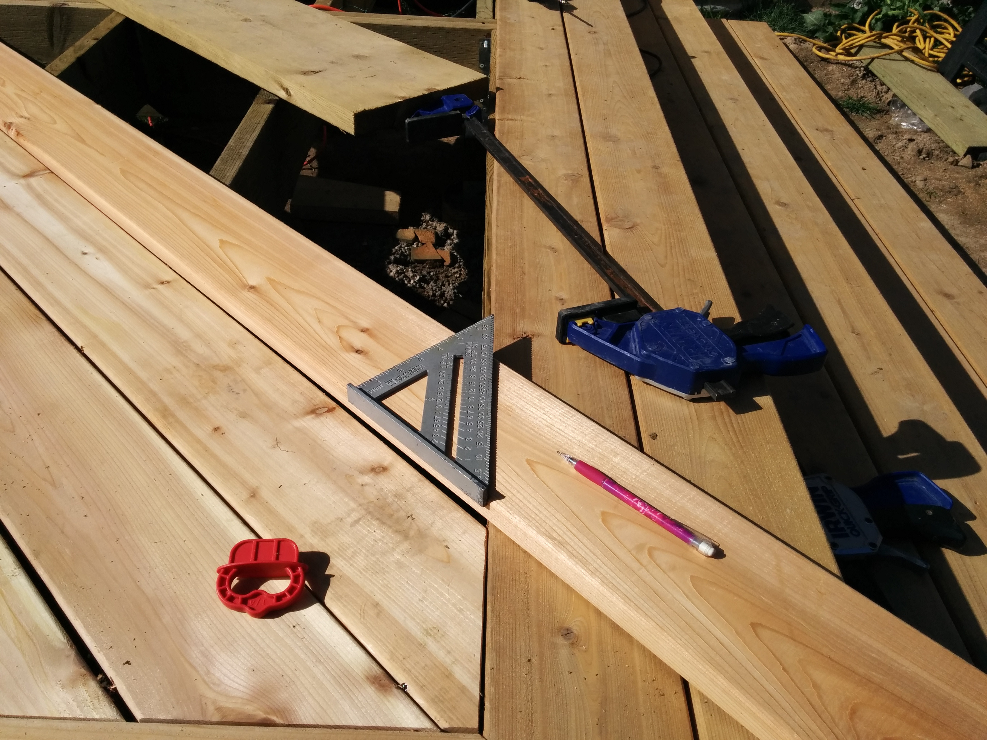 Guy Shows How He Transformed His Boring Backyard Into A Stunning DIY Deck