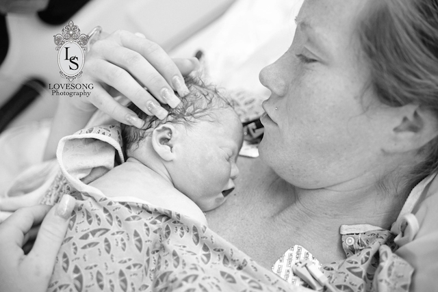 Heartbreaking Photos Of Parents Posing With Their Lost Baby For The Last Time