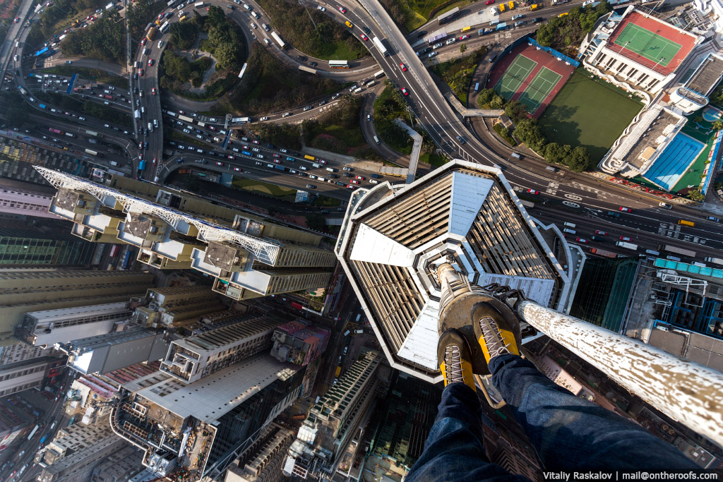 40 Death-Defying Pics That Will Make Your Heart Skip A Beat