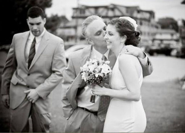 The 18 Greatest Wedding Photobombers Of All Time