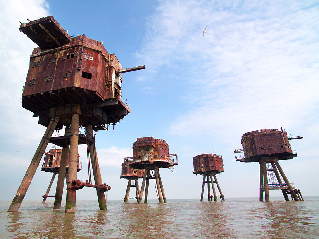 14 Places That Have A Certain Beauty Once People Abandoned Them