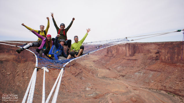 Daredevils Hang Out On A Handmade Net Suspended 400 Feet High