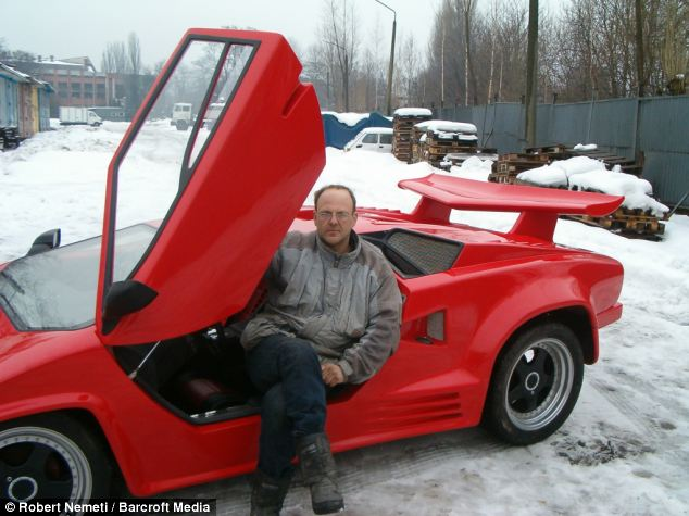 Guy Builds $7 Million McLaren F1 From Scratch For Only $30,000