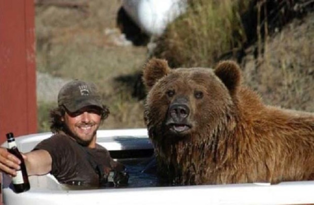 Man Has Been Best Friends With A Grizzly Bear For 15 Years