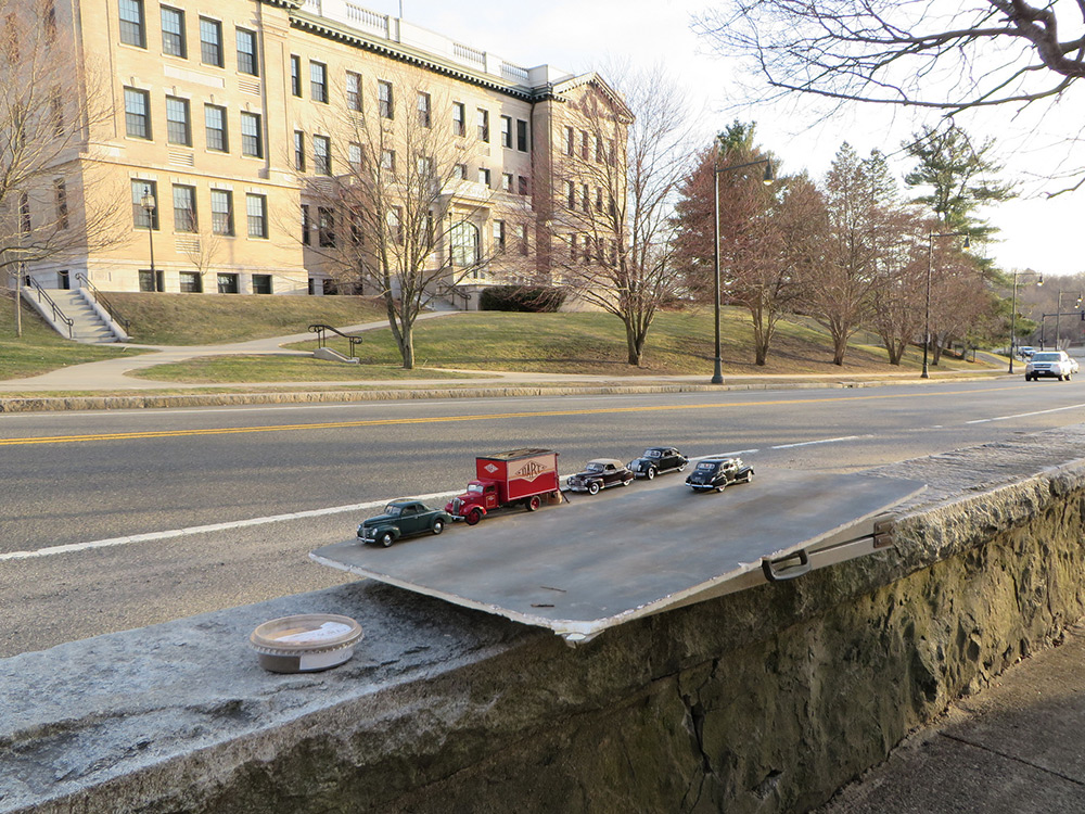 Man Creates Realistic Photos Of Historic Town Using Model Cars, A Camera And Perspective