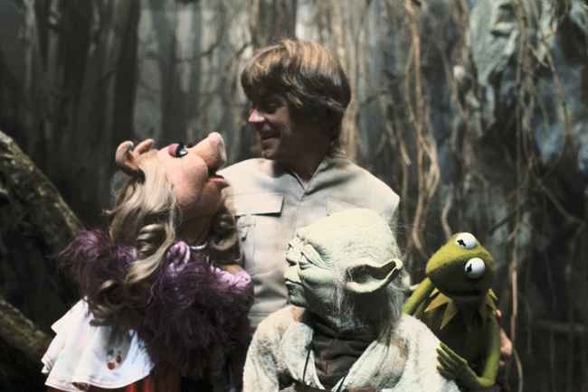 50 Photos Showing What Happened Behind The Scenes Of Famous Movies