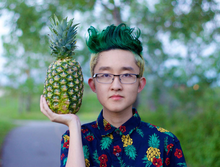 Guy Loses Bet To His Cousin, Has To Dye His Hair To Look Like A Pineapple