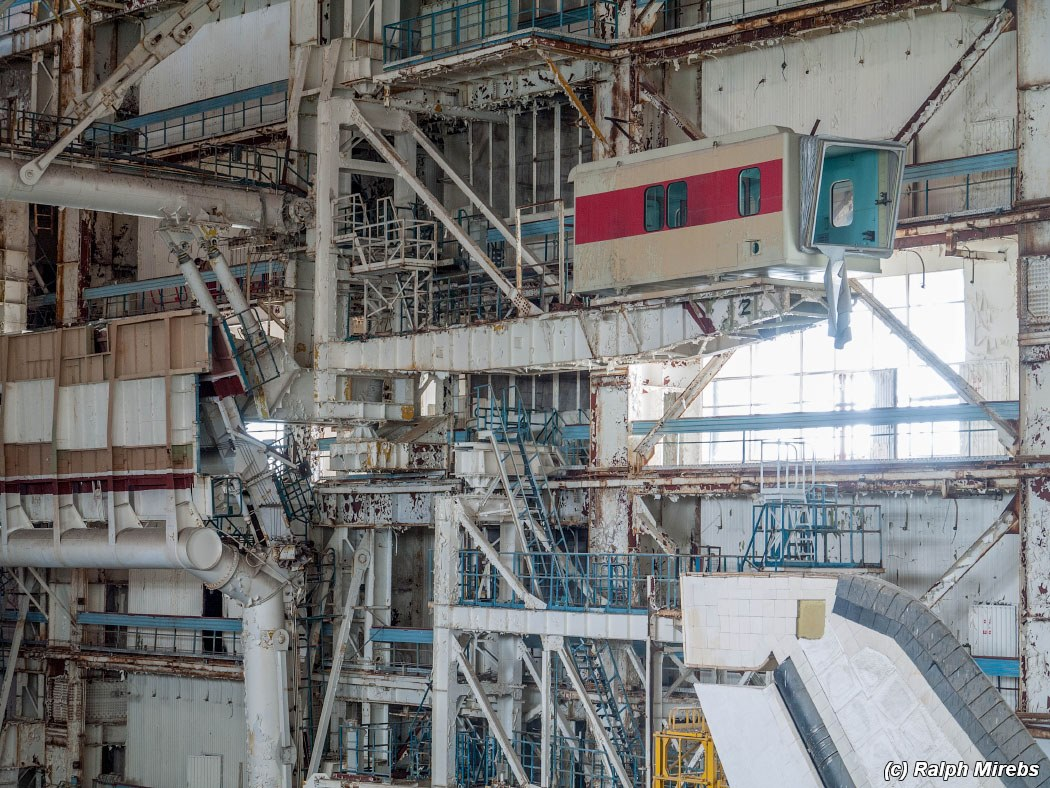 Urban Explorer Trespasses To Find The Sad Remains Of The Soviet Space Shuttle Program