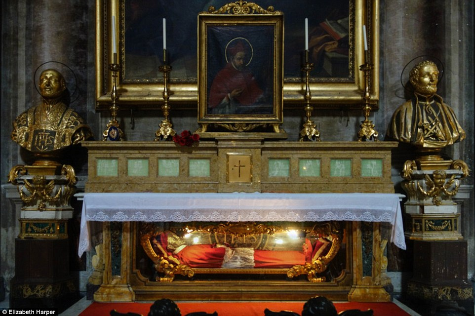 12 Photos Of Incorrupt Saints That Were Found Hundreds Of Years After They Died