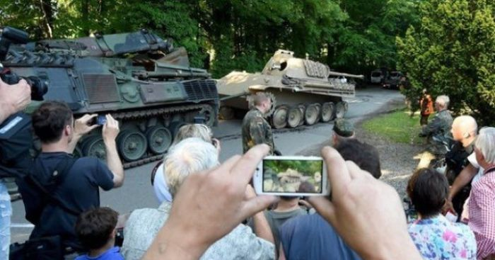 Police Find Full-Size WWII Tank After Searching Man's Home For Stolen Art