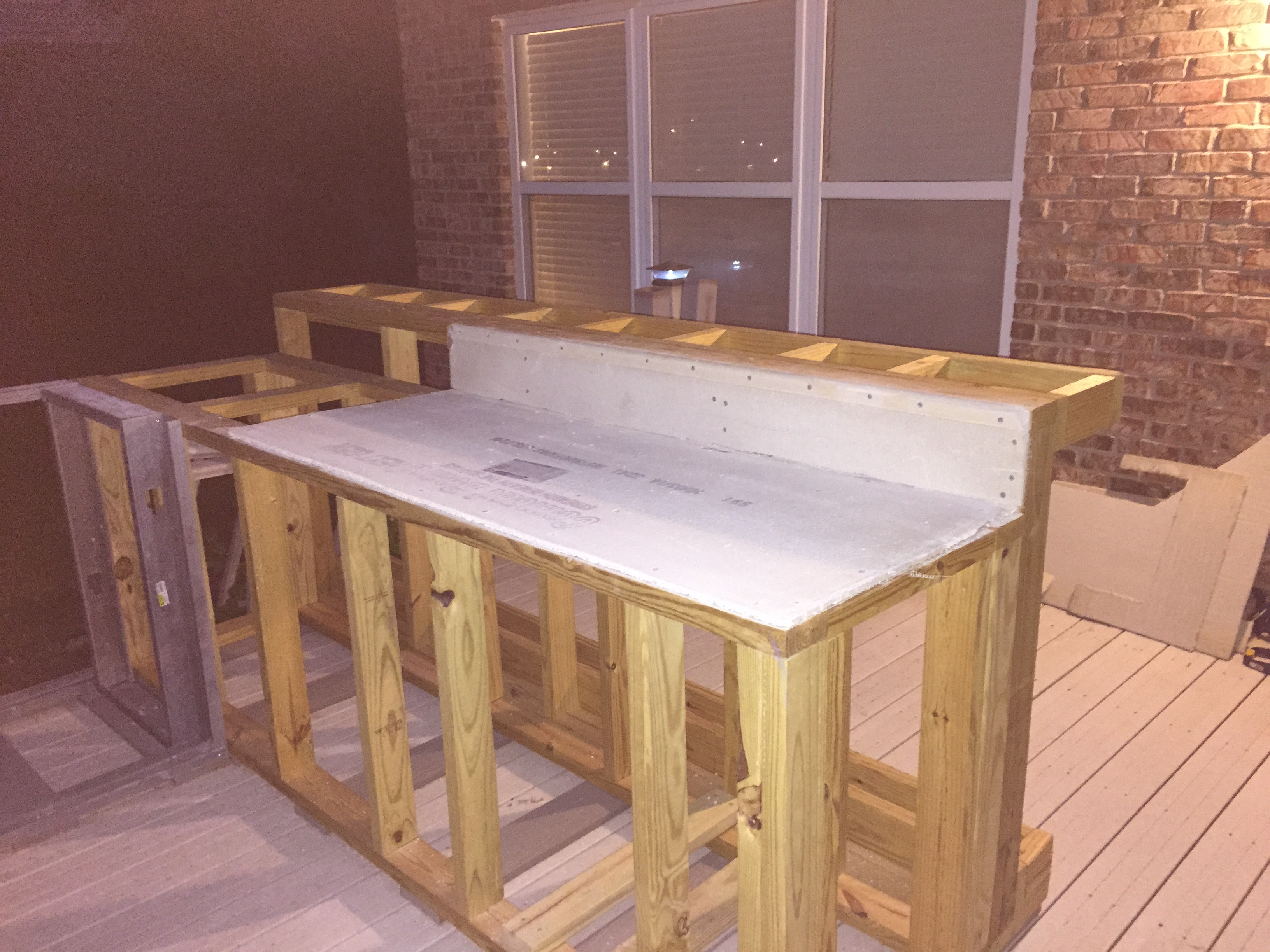 Guy With No Experience Builds Outdoor Kitchen That Would ...