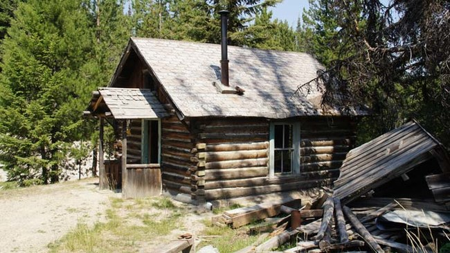 The Government Is Looking For Anyone To Stay In This Creepy Ghost Town - For Free