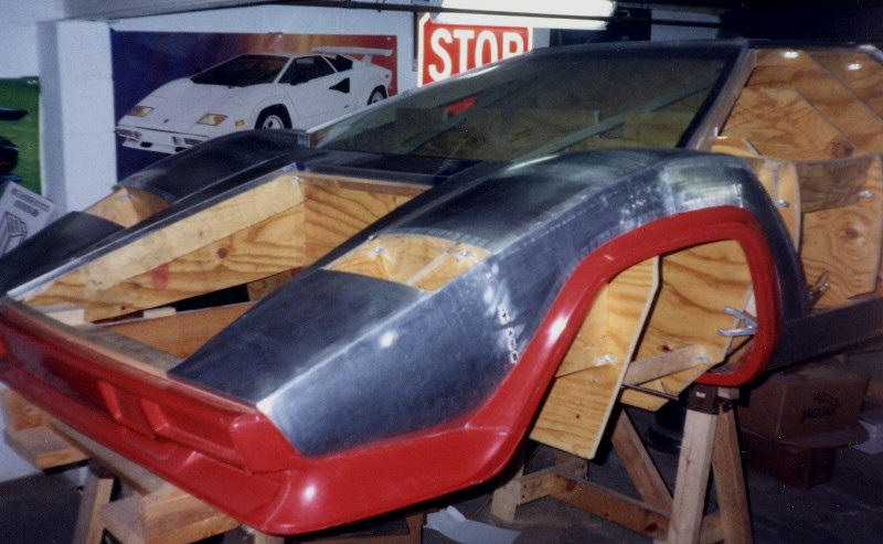 Man Spends 17 Years Building A Lamborghini From Scratch, But Then Realized He Needed To Get It Out Of The Basement