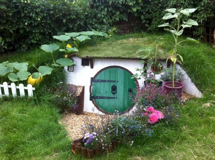 This DIY Hobbit House Will Completely Transform Your Backyard