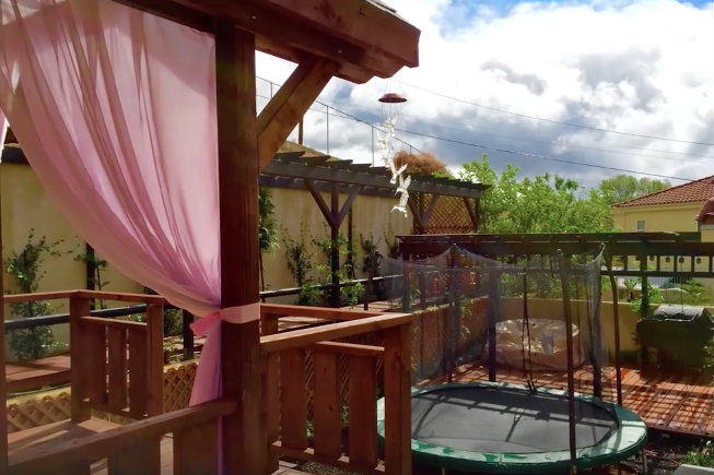 Husband Surprises Wife With Extreme Backyard Makeover While She Is On 5-Day Vacation