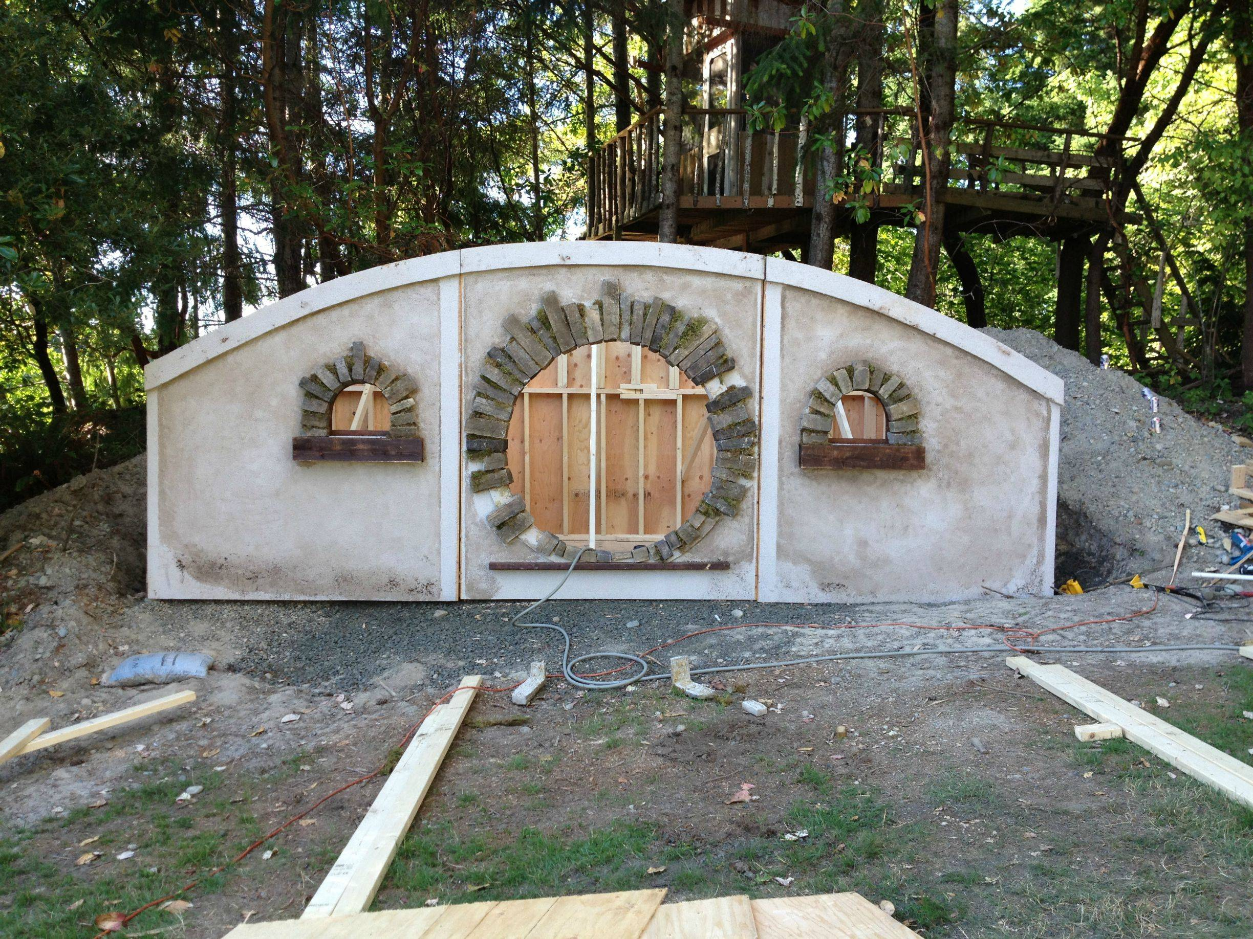 After Drinking Too Much Wine The Night Before, Man Spends 4 Months Building A Hobbit House