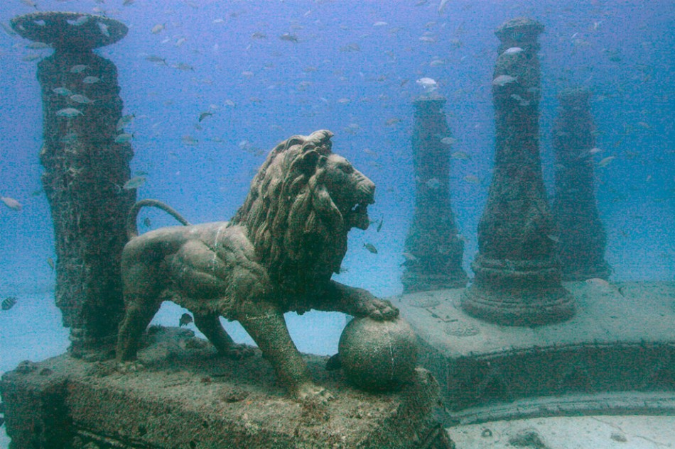Ships, Tanks and Subways Are Being Dumped In The Ocean To Create Astounding Artificial Reefs