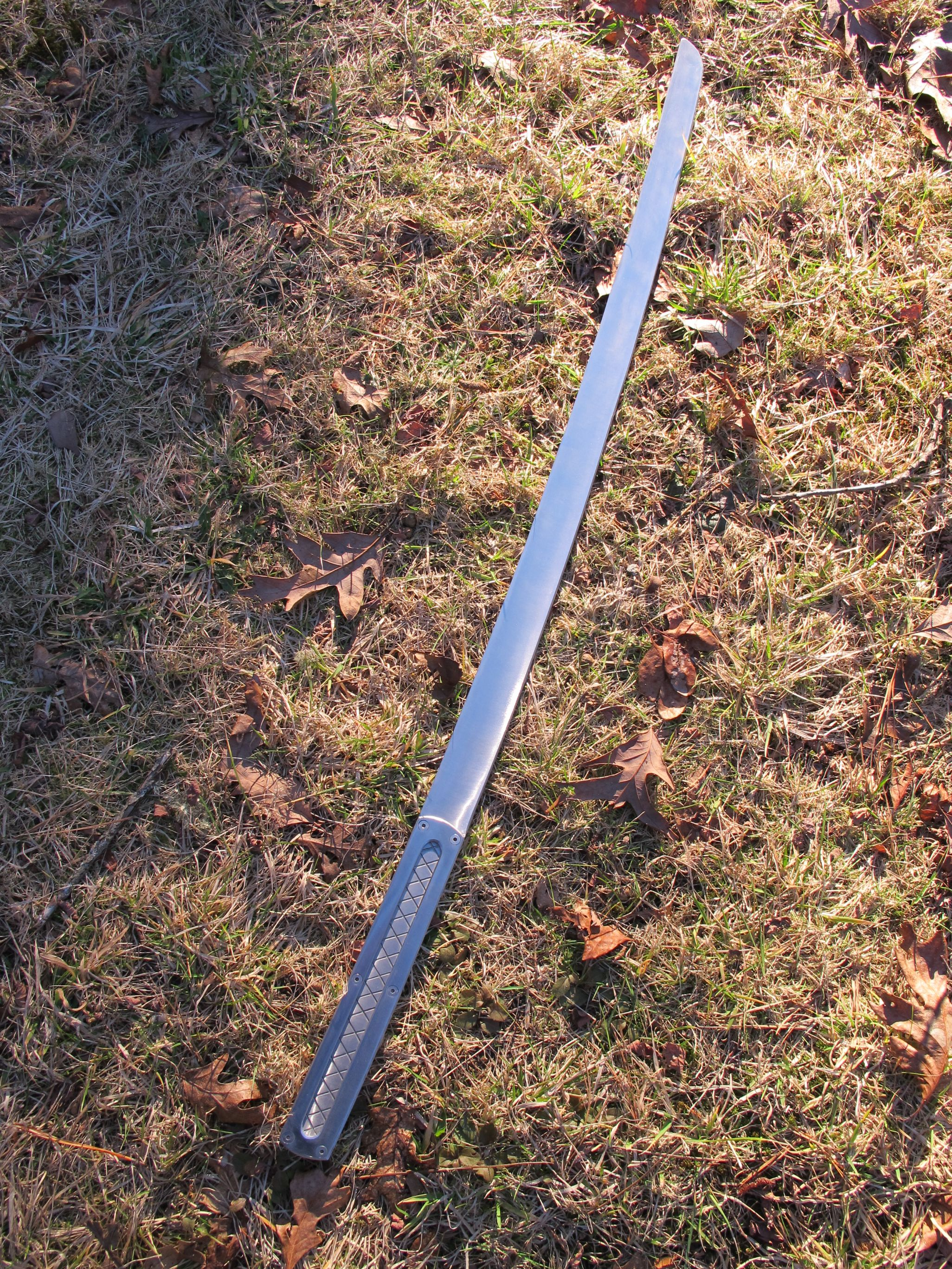 Meet The Guy Who Makes Insanely Huge and Heavy Swords Up To 6 Feet Long