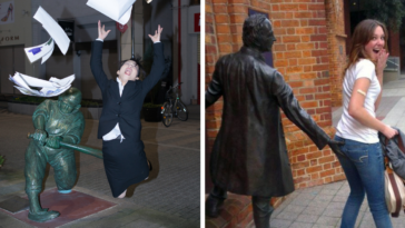 36 People Having WAY Too Much Fun With Statues