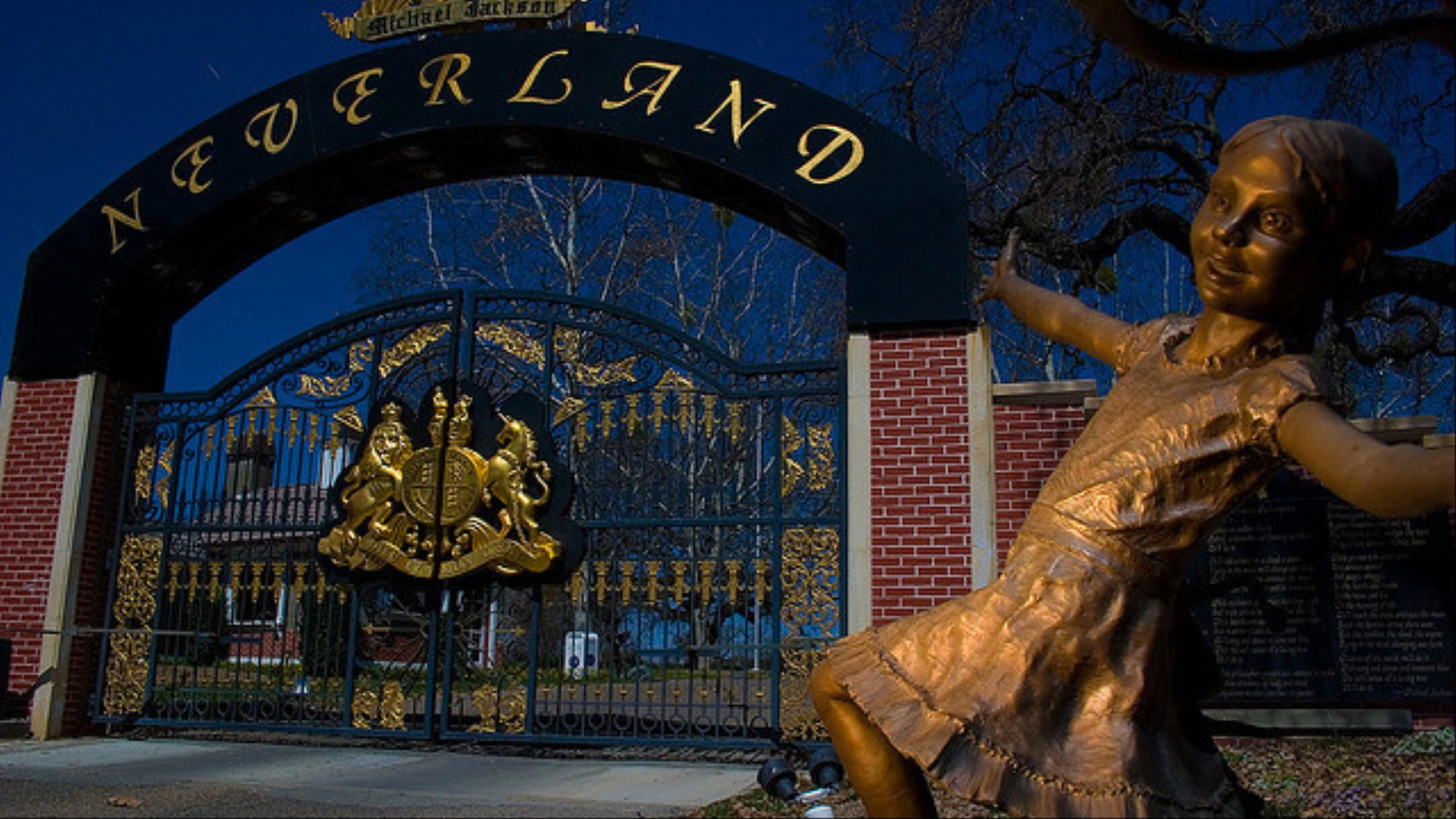 Photographers Snuck Into Micheal Jackson's Neverland Ranch To Take Creepy Pictures