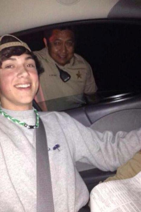 16 Of The Absolute Worst Times People Have Taken A Selfie