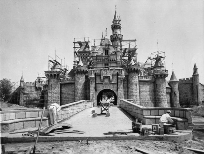 43 Rare Photos Of Famous Things Being Built