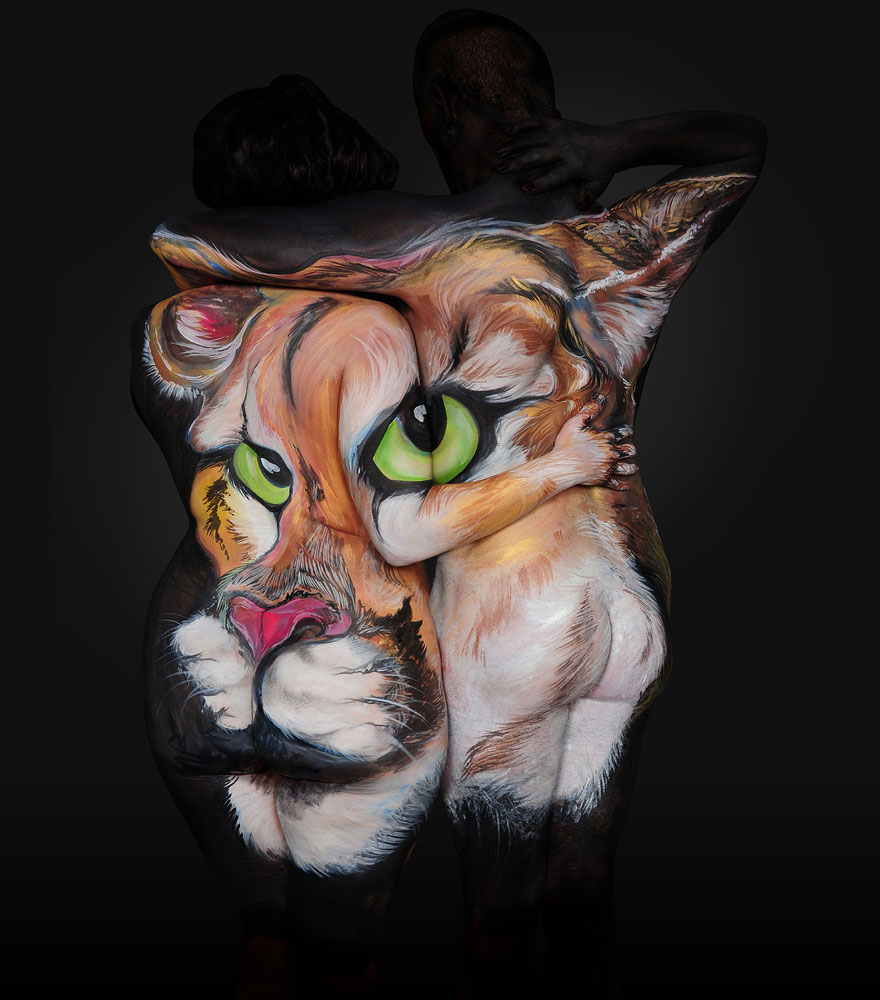 Artist Turns Humans Into Animals Using Full Body Paint