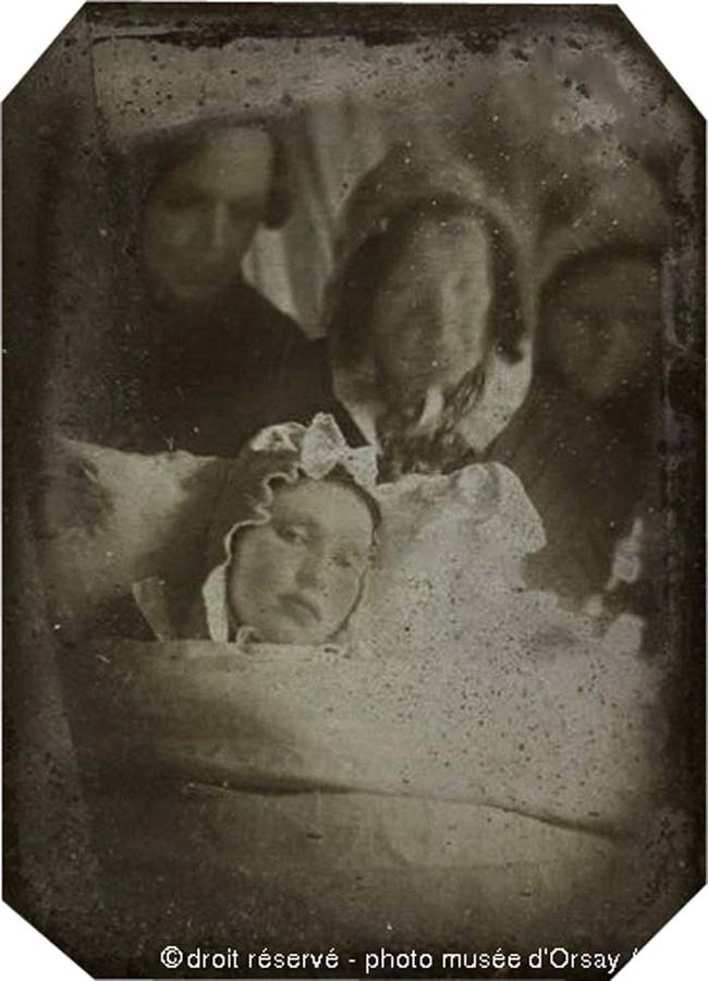 21 Victorian Era 'Death Photographs' That Were Used To To Serve As Mementos Of Dead Loved Ones