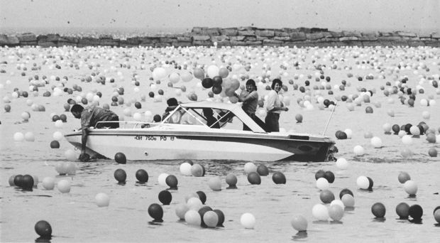 Total Chaos Ensued When Cleveland Launched 1.5 Million Balloons Into The Air in 1986