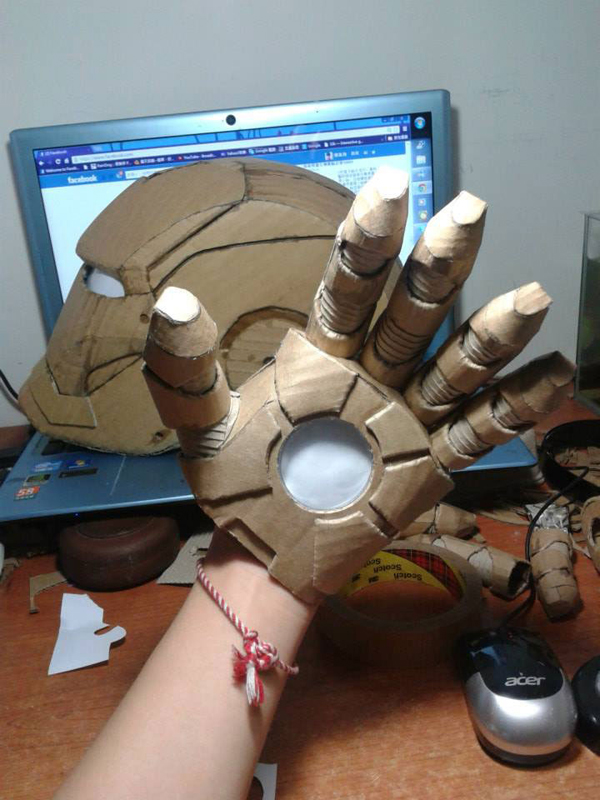 Art Student Spends A Year Building Full-Size Iron Man Suit Out Of Cardboard