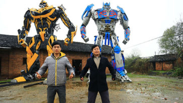 Dad And Son Make Over $160K A Year Building Incredible Transformers From Scrap Metal