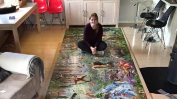 Lady Spends Over Two Months Building World's Largest Puzzle And It's Incredible