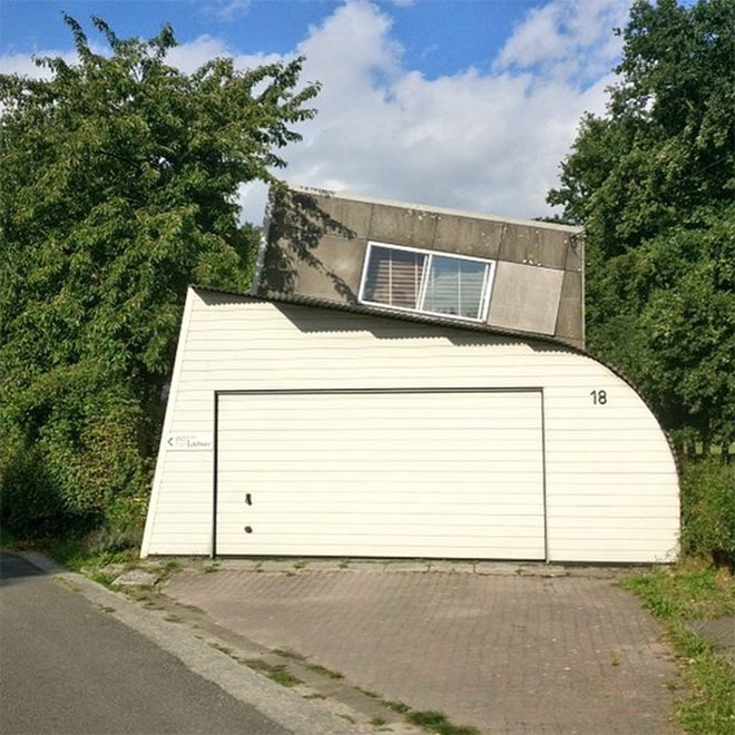 Man Documents Ugly Houses He Sees And They're Hilariously Bad (19 Pics)