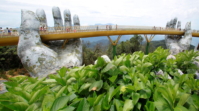 This Breathtaking Bridge In Vietnam Might Just Be The Coolest Bridge Ever