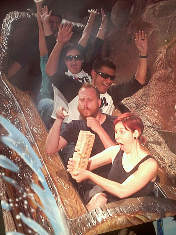 19 Hilarious Rollercoaster Photos That Will Make You Die From Laughter
