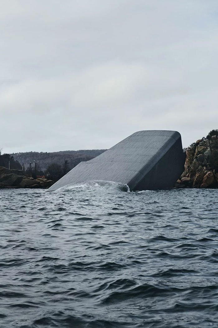 This Underwater Restaurant In Norway Also Functions As An Artificial Reef