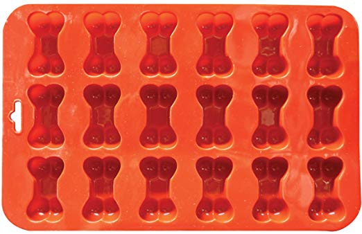 Create An Army Of Wiener Dogs With This Wiener Dog Ice Cube Mold