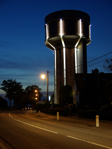 Man Buys Old Water Tower And Turned It Into A Beautiful Modern Home (46 Pics)